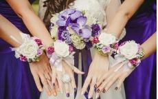 Цветочные праздничные браслеты