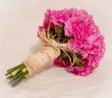Цветы с  упаковкой из рафии